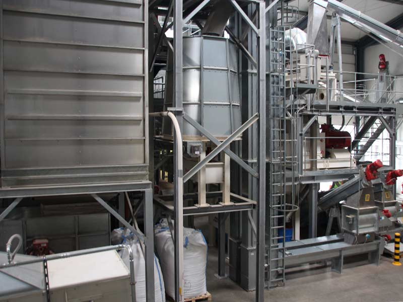 Impression aus dem Holzpelletwerk der Firma Prinz-Eugen-Energiepark in Bad Arolsen